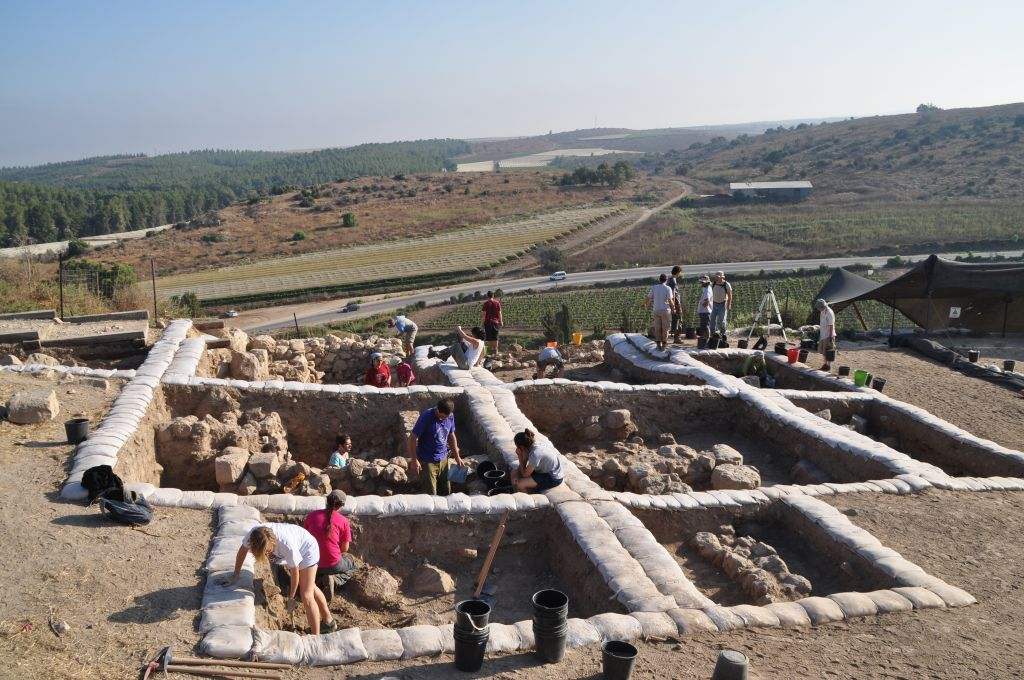 archaeologists at work excavating the biblical city of lachish where an early 12th century bce