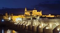 Córdoba at night. Here, one can sense the overlapping influences of Arabs, Christians and Hebrew. Wikimedia Commons