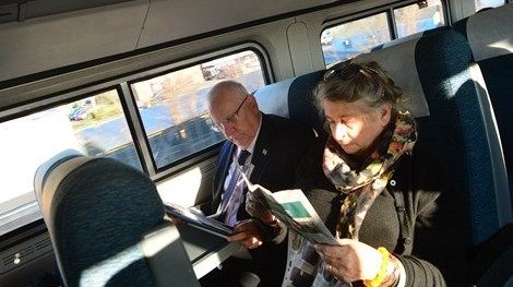 Israeli President Reuven Rivlin and his wife Nechama Rivlin making their way from New York to Washington DC to meet with US President Barack Obama on Tuesday, December 8 2015. (GPO(
