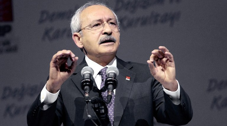 Leader of Turkey's main opposition Republican People's Party (CHP), Kemal Kilicdaroglu delivers a speech during the 35th General Assembly of the party at Ankara Sports Hall in Ankara, on January 16, 2016. (Adem Altam/AFP)