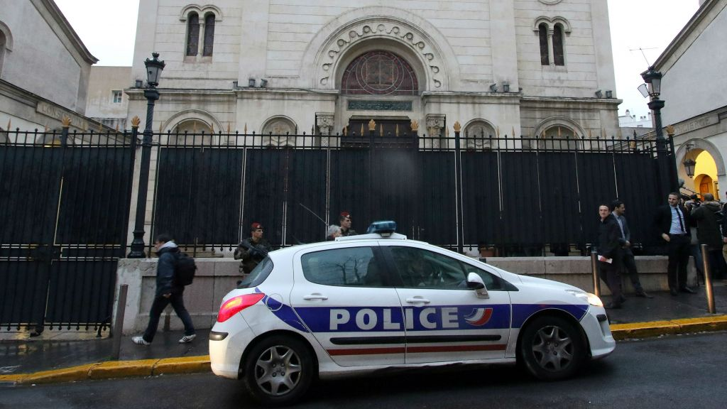 suspicious car with gas canisters found outside marseille synagogue the times of israel. Black Bedroom Furniture Sets. Home Design Ideas