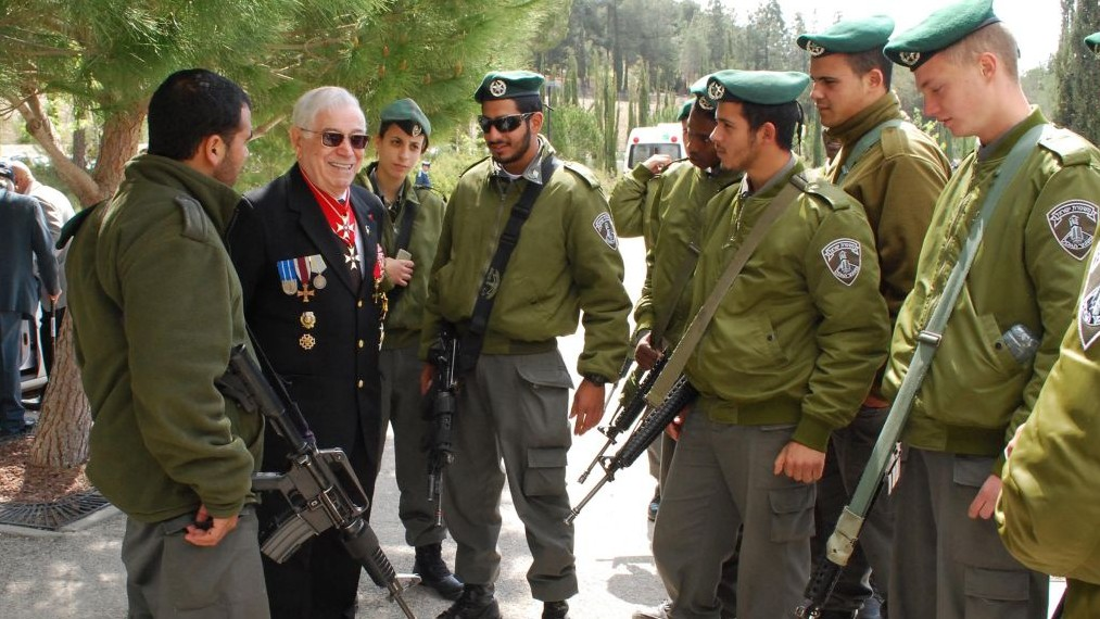 President of Association of Disabled Veterans of Fight against Nazism Roman Yagel meeting with Border Police officers. (Artiom Degel)