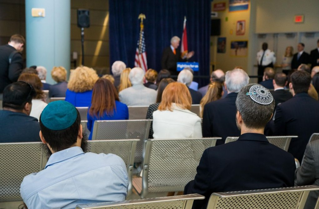Former president Bill Clinton speaks at a private campaign stop with members of the South Florida Jewish community on behalf of his wife, Hillary Clinton, February 15, 2016 (Courtesy, Hillary for America)