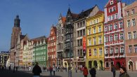 Wroclaw's old city, a jumble of cheery Baroque facades in pink, pistachio and daffodil yellow. Wikimedia Commons