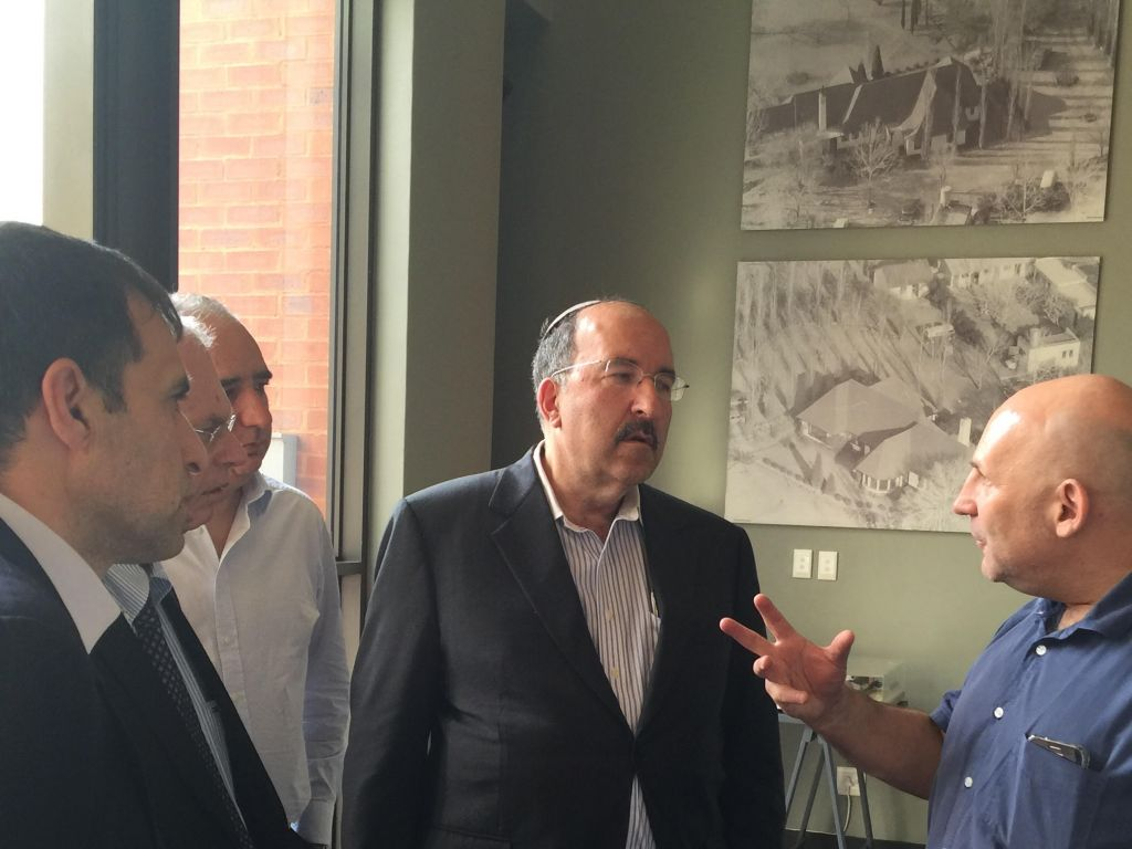 Dore Gold met with Nic Wolpe, director of Liliesleaf Farm, the site where Nelson Mandela hid and where 19 others including Nic's father, Dennis Goldberg, and two other Jews were arrested by the South African authorities in 1963 (Israel MFA)