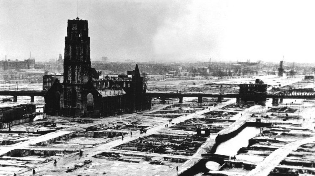 Rotterdam after the German blitz (Public Domain/Wikimedia Commons)