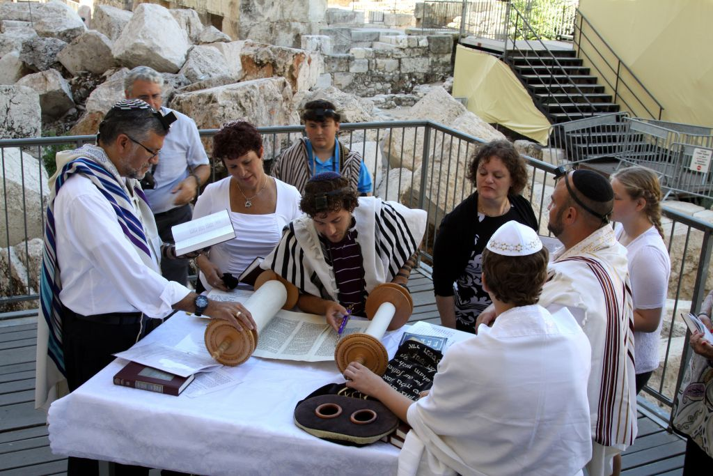 The section prepared for prayer for the Women of the Wall by Robinson's Arch in Jerusalem's Old City is open for Jews, both men and women, to pray together as seen here, on July 17, 2014. (Gershon Elinson/Flash90)