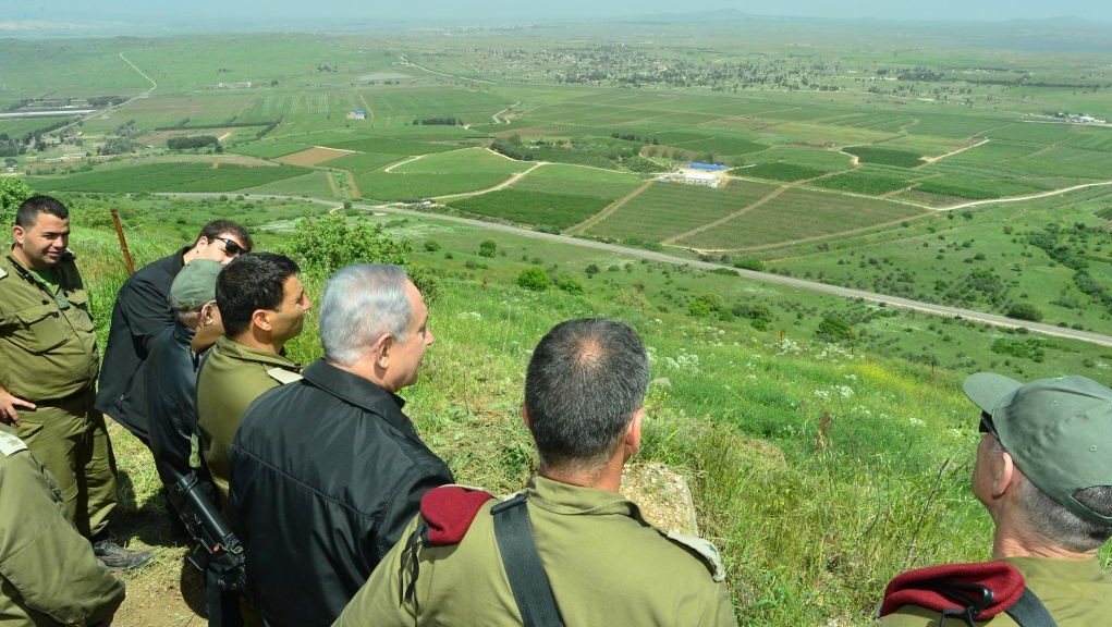 Benjamin Netanyahu seen during a security and defense tour in the Golan Heights, near the Northern Israeli border with Syria. April 11, 2016. (Kobi Gideon/GPO)