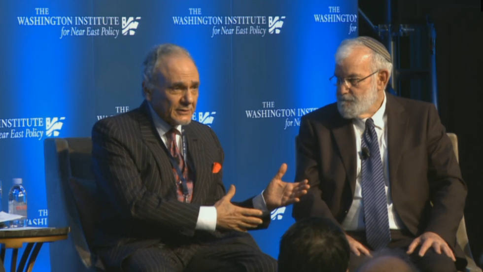 Saudi Arabia's Prince Turki al-Faisal and Maj. Gen. (ret.) Yaakov Amidror, Prime Minister Benjamin Netanyahu's former national security adviser, share a platform at the Washington Institute, May 5, 2016 (Washington Institute screenshot)