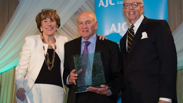 Ashers Honored for Helping AJC Build Bridges 2