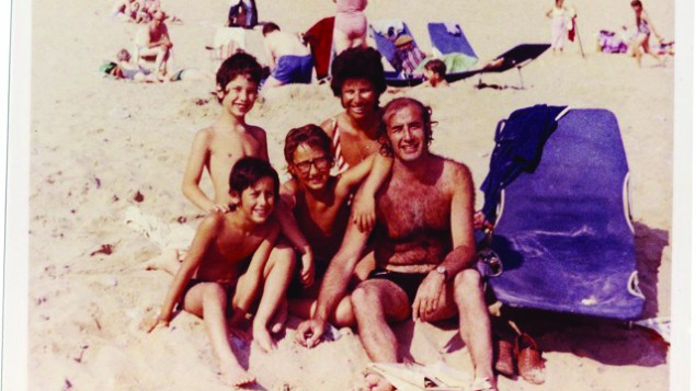 A Baddiel family picture at the beach