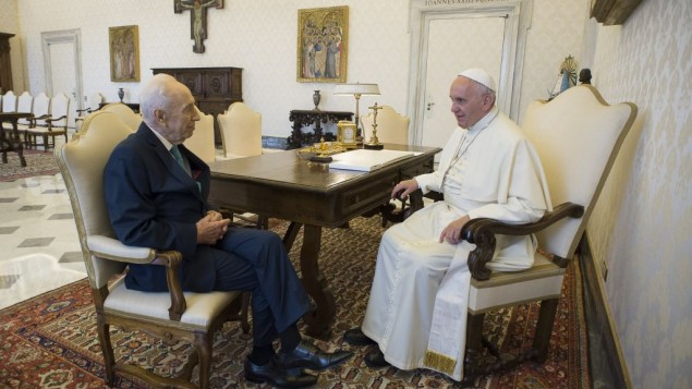Pope Francis-Peres 20-6-16  001