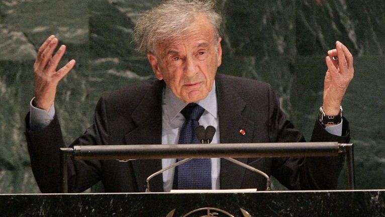 This January 24, 2005 photo shows Elie Wiesel addressing the United Nations General Assembly  in New York. (AFP PHOTO / DON EMMERT)