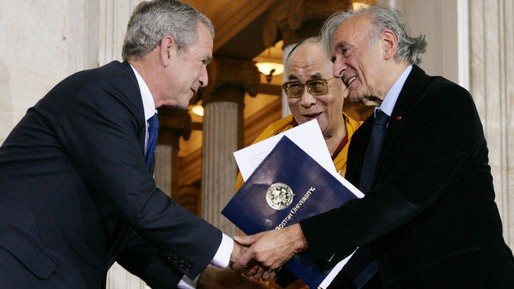 President George W. Bush with Elie Wiesel at the 2007 Congressional Gold Medal Ceremony honoring the Dalai Lama at the U.S. Capitol. (White House / Chris Greenberg / Wikipedia)