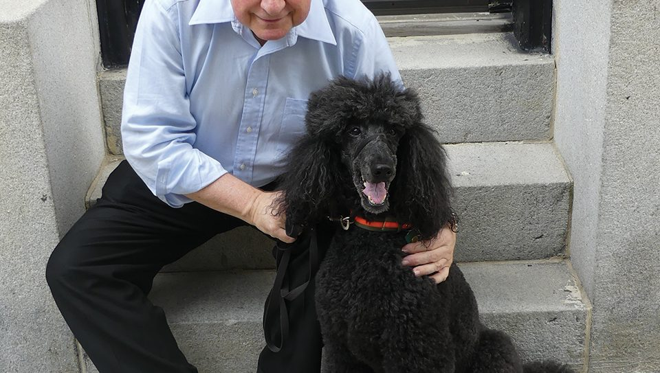 Leslie Nelson and his standard poodle therapy dog Piper. Photos by Nora Wesson/JW
