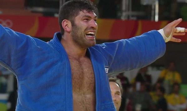 Or Sasson celebrates his bronze medal win