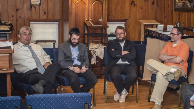 Orthodox Rabbis Weigh Unity vs. Uniqueness 1