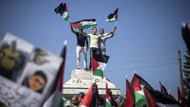 Palestinians hope for settlement curb if peace talks resume