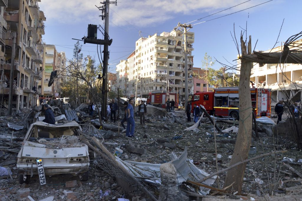 Blast hits mainly Kurdish city in Turkey; at least 6 wounded