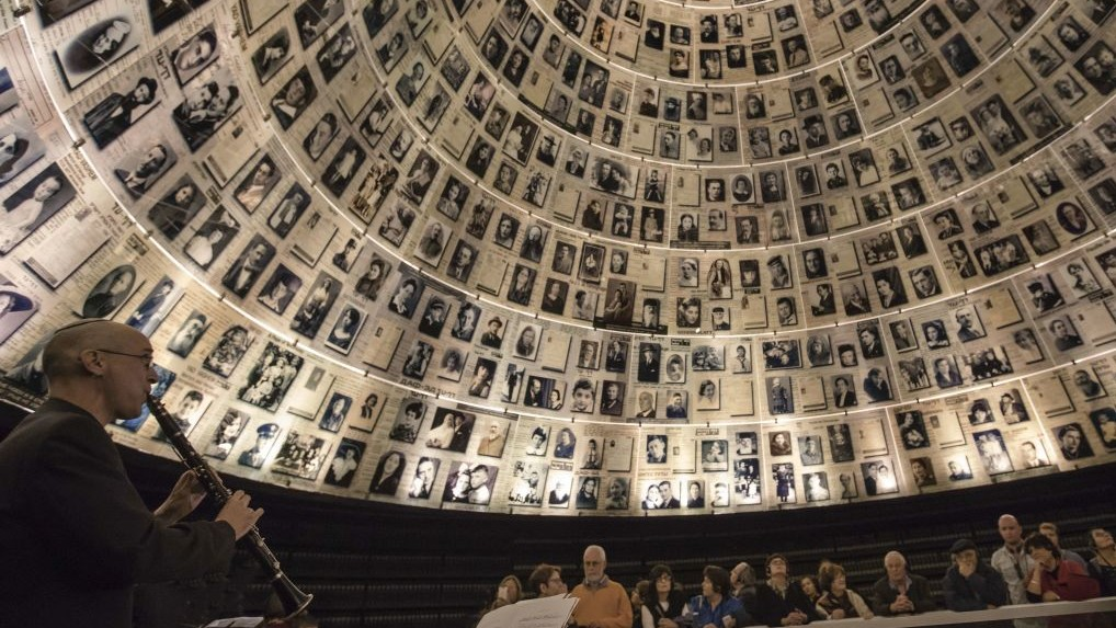 Live music plays at Yad Vashem for first time, in tribute ...