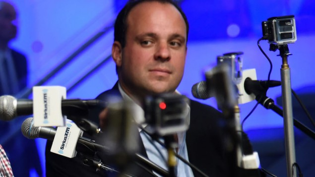 "Boris Epshteyn pendant ""White in America"" de SiriusXM aux studios SiriusXM à New York, le 30 juin 2015. (Crédit : Ilya S. Savenok/Getty Images for SiriusXM via JTA)"