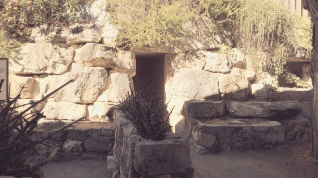tr-biblical-1st-temple-pd-tomb