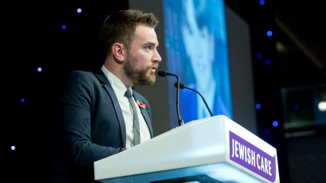 Jonny Benjamin speaking at Jewish Care's annual fundraising dinner