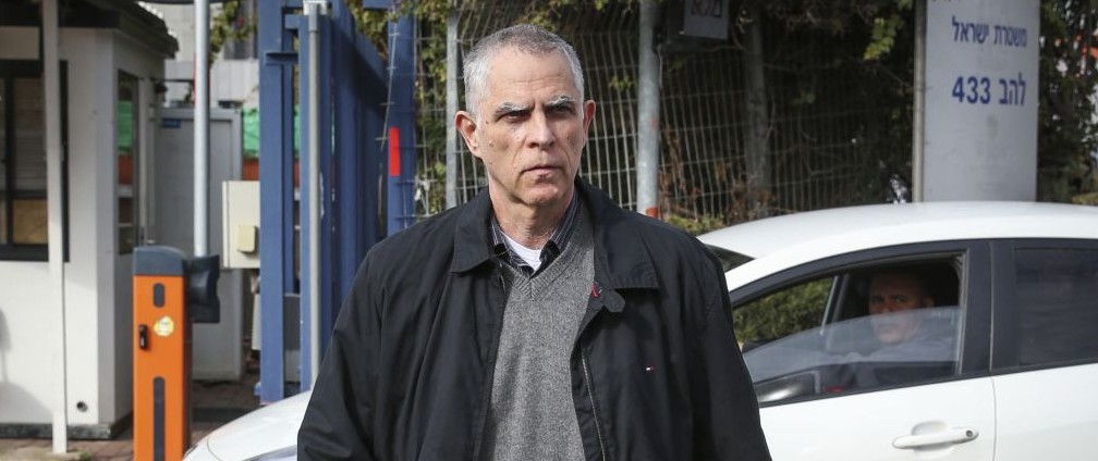 Newspaper publisher grilled again by police over Netanyahu talks ...