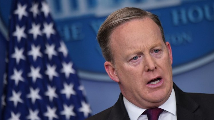 White House Press Secretary Sean Spicer speaks during the daily briefing in the Brady Briefing Room of the White House on February 23, 2017 in Washington, DC. (AFP PHOTO / Mandel Ngan)