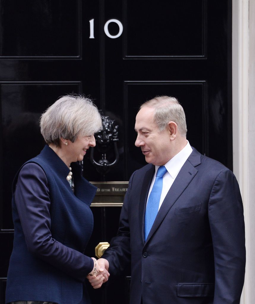 Uk muslims press for peace at 10 downing street - Prime Minister Theresa May Greets Israeli Prime Minister Benjamin Netanyahu As He Arrives In Downing Street