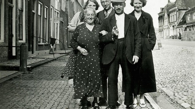 The Boas-Pais family, who perished in the Holocaust, in front of their home in the Frisian city of Harlingen.
