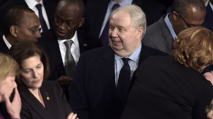 Russian Ambassador to the US Sergey Kislyak, center, arrives before US President Donald Trump addresses a joint session of the US Congress in Washington, DC, February 28, 2017 (AFP/Brendan Smialowski)