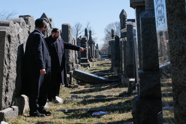 Jewish cemetery attack investigated by USA hate crime experts