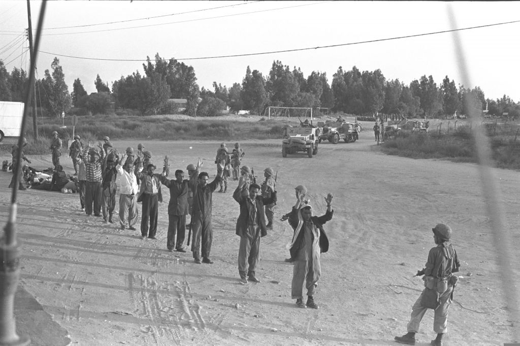 Captured Egyptians in the Sinai desert, at the end of the 1973 Yom Kippur War (Courtesy David Rubinger/Knesset collection)