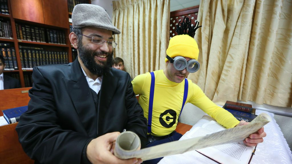Orthodox Beit Shemesh: With Costumes And Alcohol, Jovial Israel Marks Purim