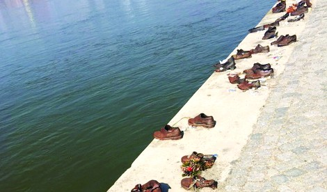 Shoe memorial on the River Danube
