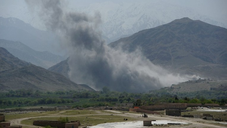 Huge US bomb kills 94 IS militants, Afghan officials say