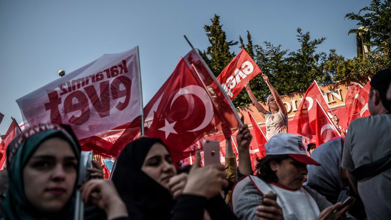 Turkish opposition party files to have referendum voided