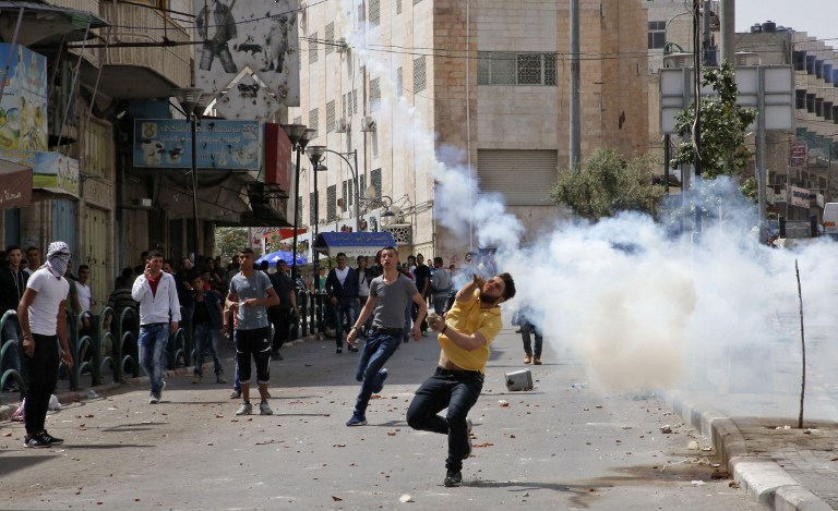 Palestinians say dozens wounded at protests for prisoners