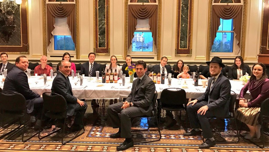 The Seder Taking Place In White House Without Donald Trump Credit Sean Er On Twitter