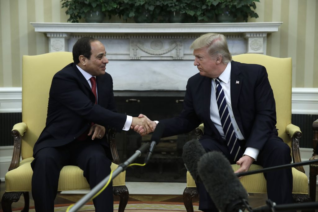 President Donald Trump shakes hands with Egyptian President Abdel Fattah al-Sissi in the Oval Office of the White House in Washington, Monday, April, 3, 2017. (AP Photo/Evan Vucci)