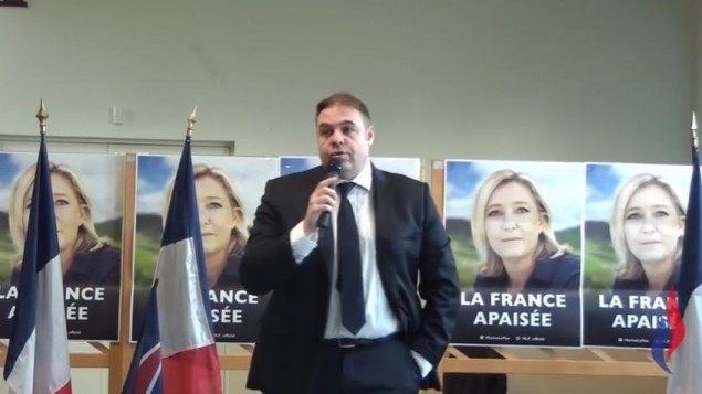 Axel Loustau lors d'un meeting à Suresnes en mars 2016 (Crédit: capture d'écran Youtube/Front national 92)
