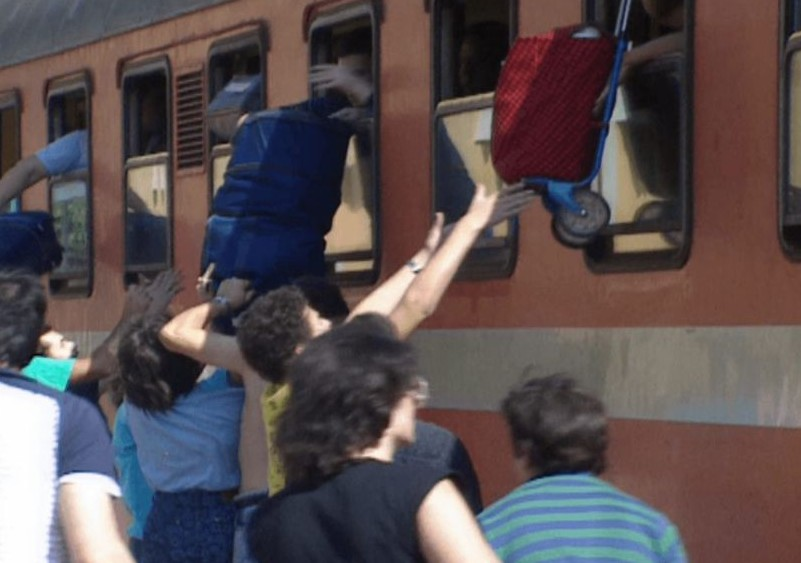 Refugees on a train from Austria to Rome, at Orte train station in 1989. (Courtesy 'Stateless')