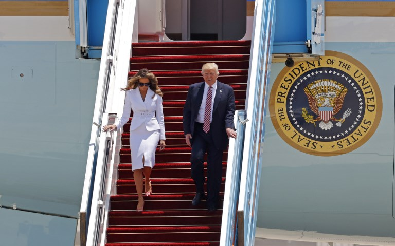 US President Donald Trump and First Lady Melania Trump disembark Air Force One upon their arrival at Ben Gurion International Airport in Tel Aviv on May 22, 2017, as part of his first trip overseas. (AFP PHOTO / Jack GUEZ)
