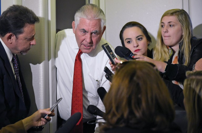 US Secretary of State Rex Tillerson speaks to reporters aboard Air Force One enroute to Tel Aviv from Riyadh on May 22, 2017. (AFP PHOTO / Mandel Ngan)
