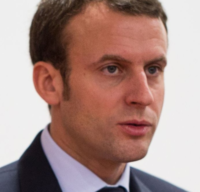 Rouhani Congratulates Macron, Says Iran Eager for Closer France Ties
