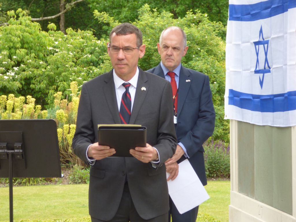 Mark Regev reading a message from Benjamin Netanyahu