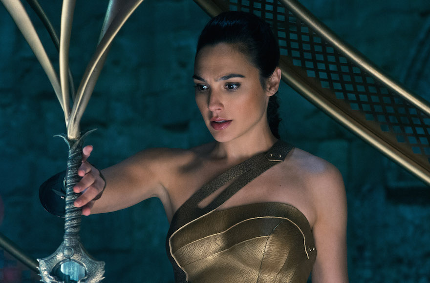 Lebanon seeks to ban 'Wonder Woman,' citing Israeli actress