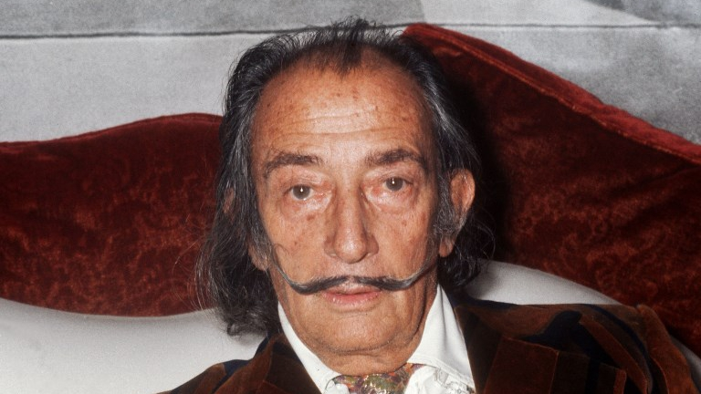 Salvador Dali's body to be exhumed