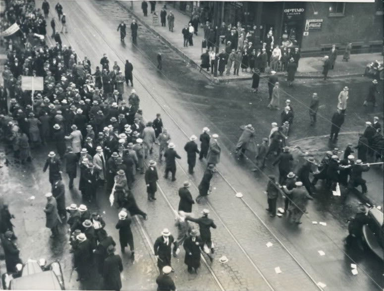 American Communists attacking a group of Ukrainians protesting the Soviet-caused Holodomor famine in 1933, which killed 4 million Ukrainians. (Public domain)
